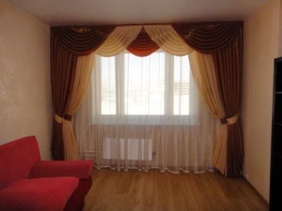 шторы в зал в обычной квартире