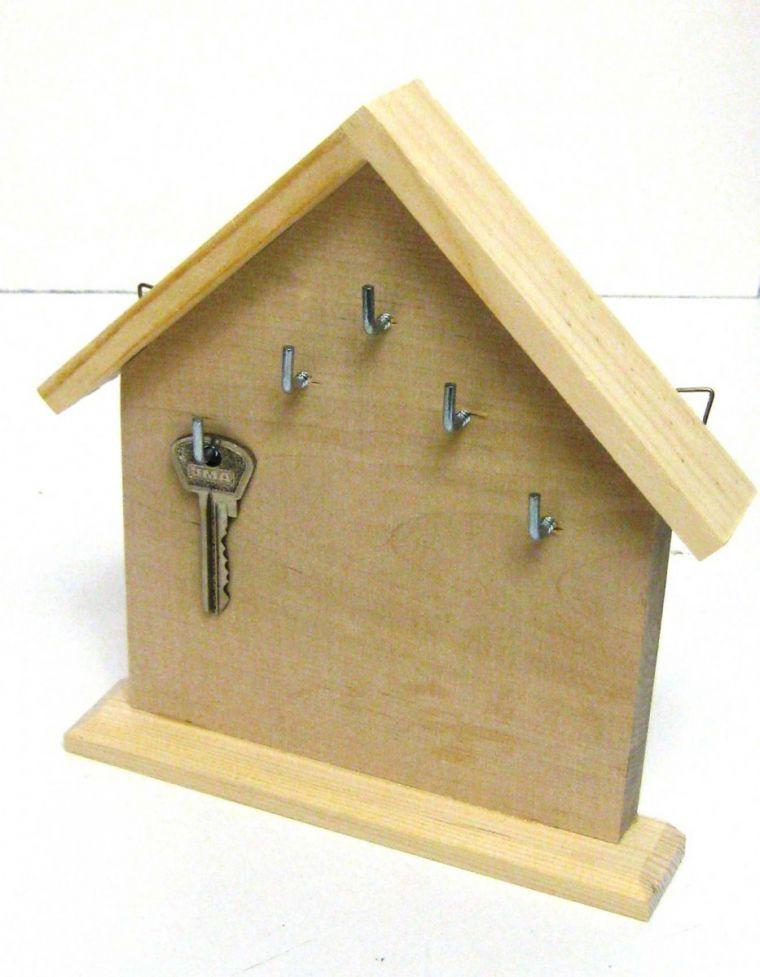 Как сделать ключницу: оригинальные настенные идеи и советы как изготовить своими руками ключницу (105 фото)