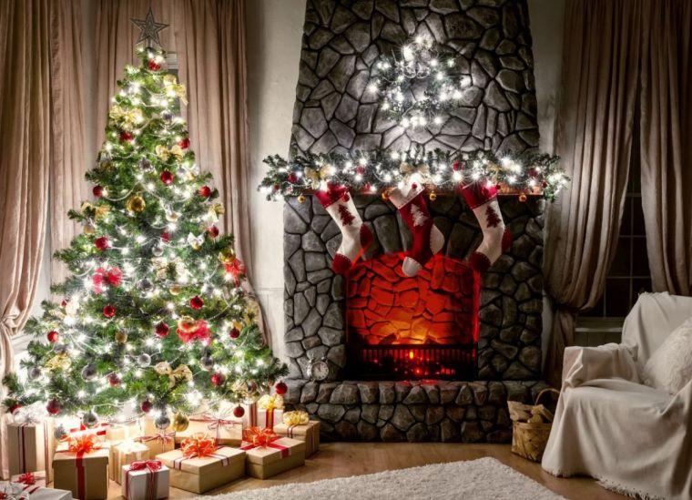 Новогодний декор - лучшие идеи 2021 года и советы по оформлению комнат и спален различных размеров (150 фото)