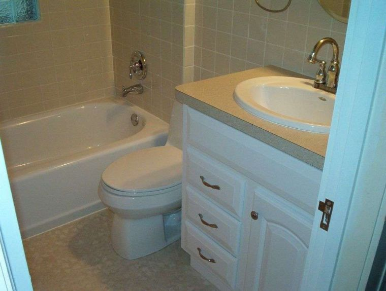 Ванная в хрущевке - красивые решения дизайна и реальные фото стильного ремонта в типовой ванной комнате (85 фото)