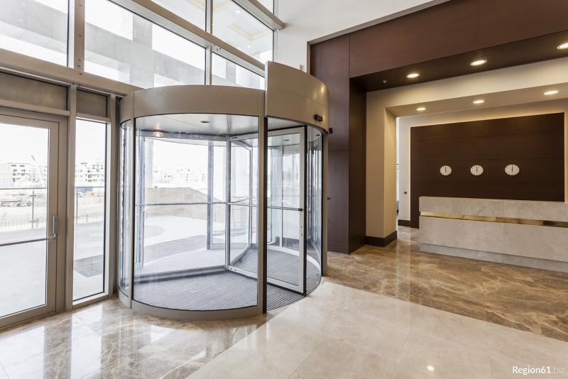 Преимущества стекла в архитектуре зданий